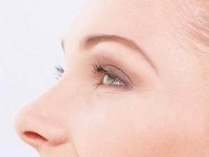 runde Augenbrauen