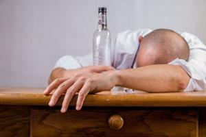 alkohol wirkt sich negativ auf traenensaecke aus